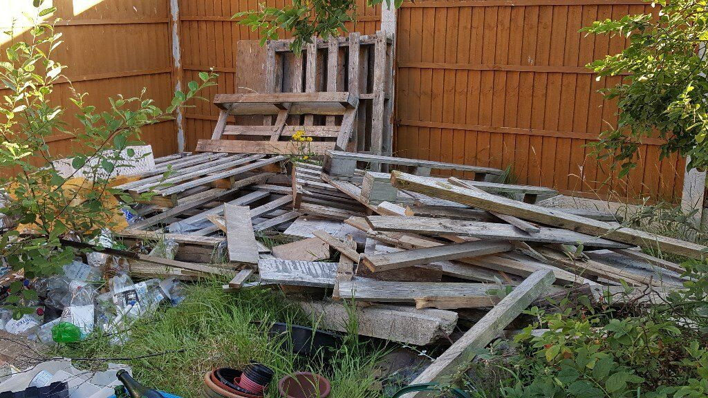 Pallets and Wood as in picturesin Oakwood, DerbyshireGumtree - Pallets and Wood, were to be used for a project, but dont need them now. They would need to be collected, as we are unable to deliver