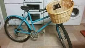 Ladies Vintage Style Mountain Bike