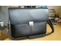 Very smart Dicota leather laptop bag