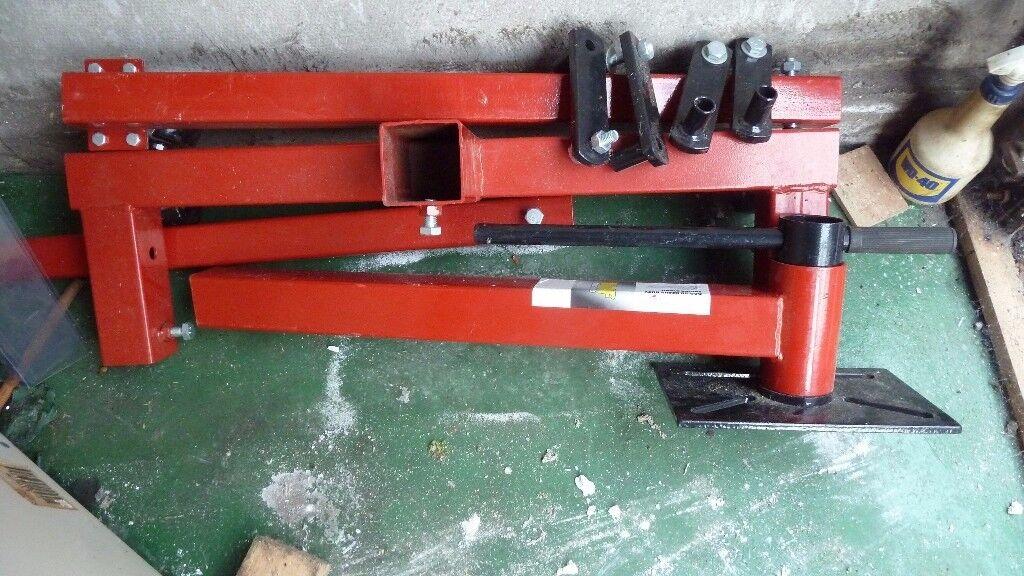 Wolf Engine stand