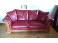 Burgundy Leather suite in good condition 3-1-1