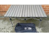 Campinng table SunnCamp low slat table good condition easy to set up and fold down! Can deliver!