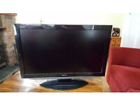 SHARP 37 INCH WIDESCREEN FREE VIEW DIGITAL HD READY LCD TV WITH REMOTE AND STAND *BARGAIN*