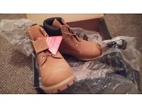 Timberland Mens 6 inch Premium Leather Boots - Size 7 (EU 41) - Colour: Wheat- BRAND NEW