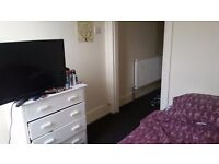 Single Room to Rent in Student House