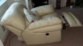 Recliner Chair by SofaArt electric operation cream leather