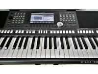 Yamaha PSR-S970 Workstation Keyboard + stand and extras