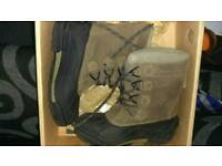 Columbia Snow boots size 1