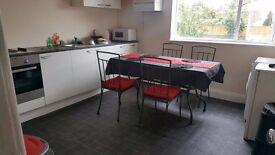 Spacious 4 Bed Maisonette - 2 Floors - Fishponds Road