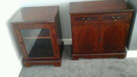 Living room cabinet , Display Cabinet QUICK SALE will sell separately £30 ono. BARGAIN .