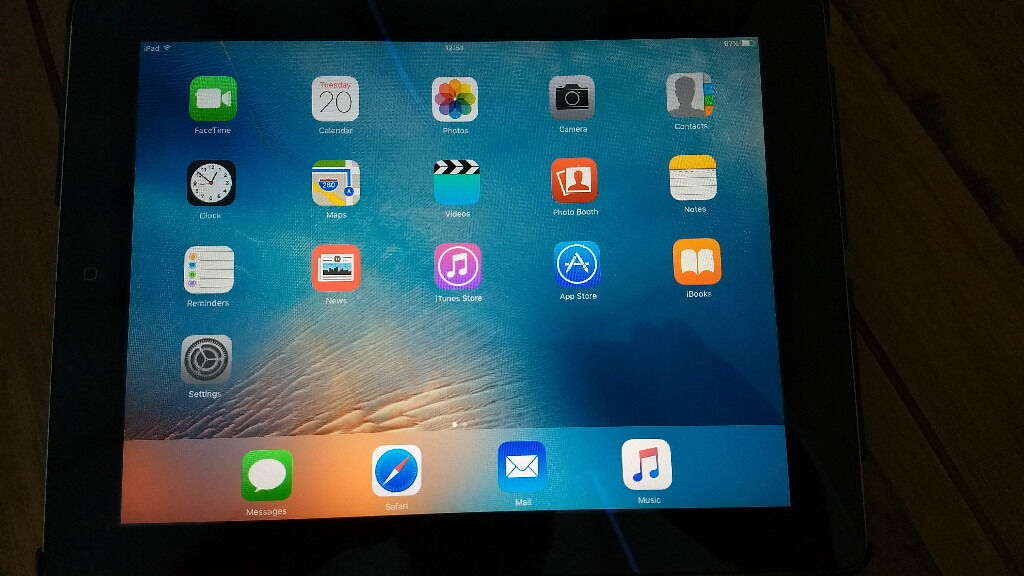 iPad 2 16GB Wi Fi with Apple iPad 2 Dock, Apple AV Adapter, Apple ChargerGriffin Casein Basildon, EssexGumtree - Apple iPad 2 16GB Wi Fi, excellent condition, fully working. Included with Apple Ipad 2 Dock, Apple AV Adapter, Apple Charger and GRIFFIN Case. Collection only