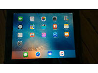 iPad 2 16GB Wi-Fi with Apple iPad 2 Dock, Apple AV Adapter, Apple Charger & Griffin Case