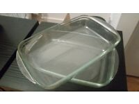 2 glass roasters- tray