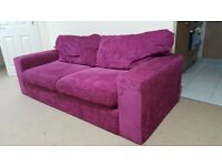 3 seater sofa in a very gud condition ,no pets ,£40 collection only