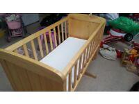 Wood baby rocking cot