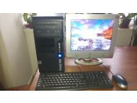 Desktop PC Packard Bell 320GB complete with monitor keyboard and mouse