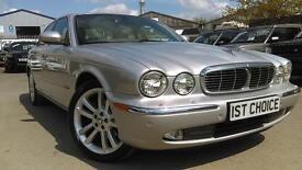 JAGUAR XJ V8 SE VERY LOW MILEAGE FSH (silver) 2003