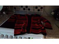Black red jumper