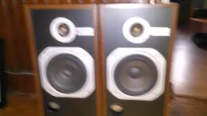 Pair of Technics Linear Phase Speakers System