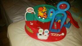 Whizz world toy garage& 2 cars.