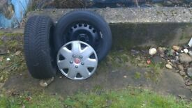 4 Mitchelin winter tyres and steel wheel rims 205/55R16 hardly used