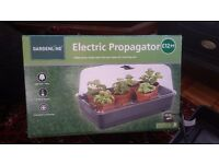 Seedling and Cutting Electric Propagator - new in box