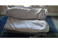 Futon/ pull out bed