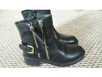 Women's black ankle boots size 7 very good condition