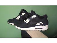 Nike Air Max 90 Ultra Essential Size 8 Black £35
