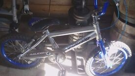 Kids bike 4 to 6 years old good condition