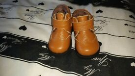 Infant boys boots size 3