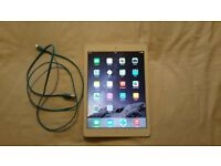 Ipad air 16GB Silver, hardly used.