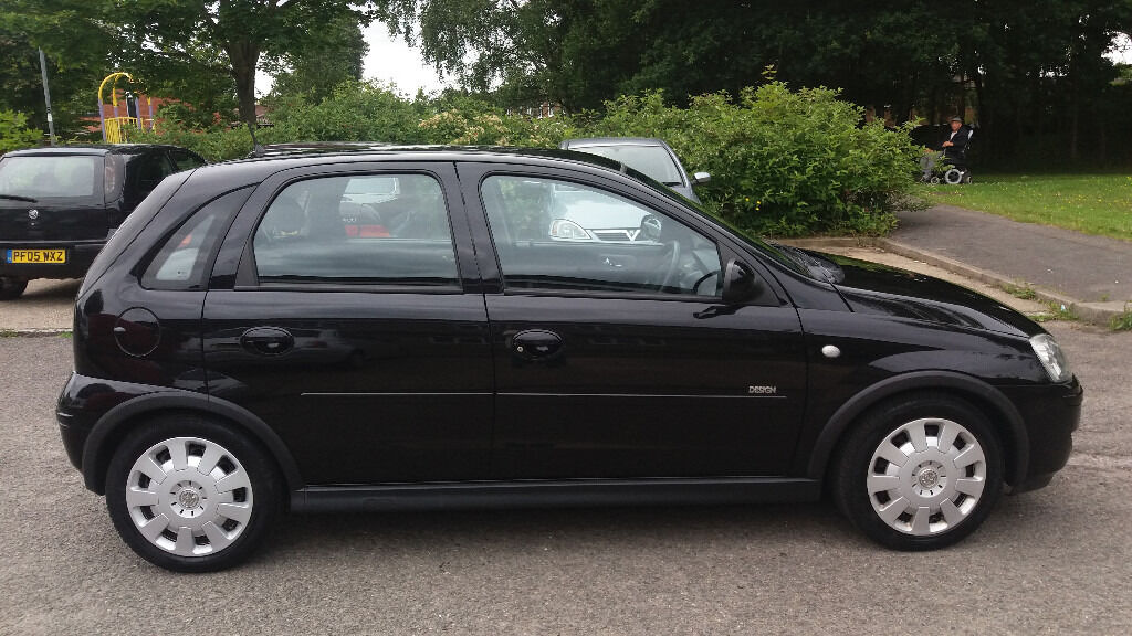 2005 vauxhall corsa design 1 2 twinport metalic black 5 door mot may 2017 in bracknell. Black Bedroom Furniture Sets. Home Design Ideas