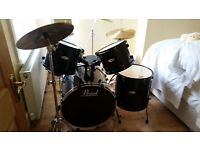 full size pearl forum drum kit with cymbals and stool