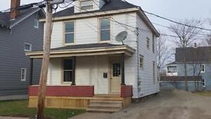 May rent FREE! Beautiful 3 bedroom home