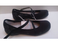 Lady's Shoes; NewFeel Baoma by Decathlon, size 8 UK