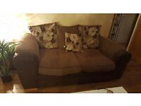 3 seater 2 seater and I seater sofa set in good condition. Pick up only.