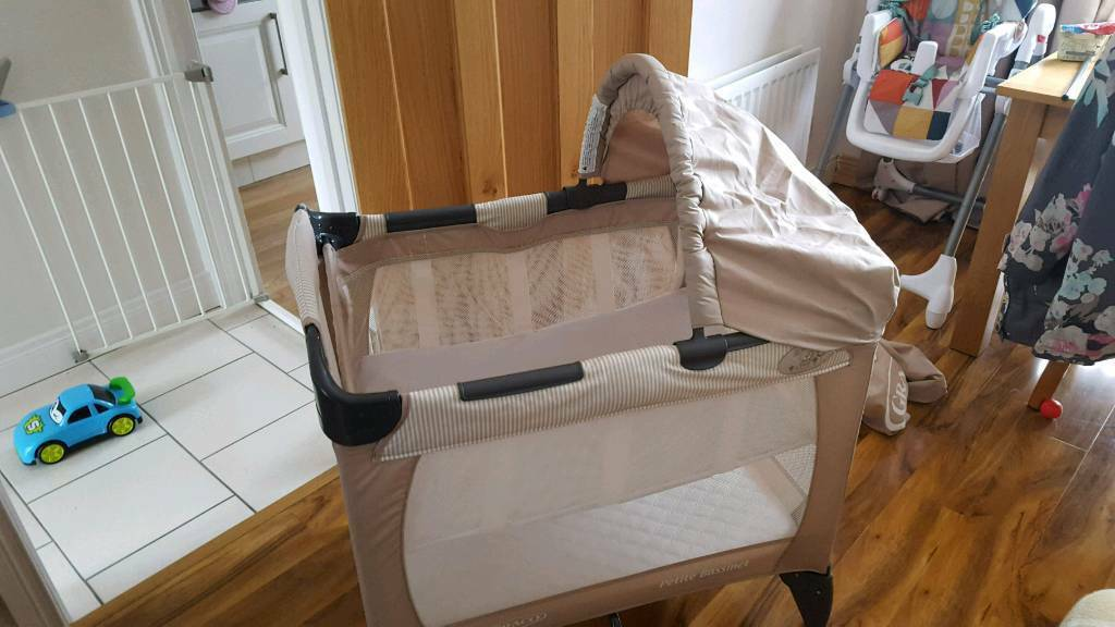 graco petite bassinet travel cot