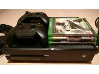Xbox one - 3 Games - 2 Controllers