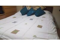 King Size duvet. 13.5 TOG. Cover included. Only £12. RRP £30+