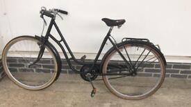 Ladies Dutch bike: 1920s vintage black cruising bike