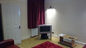 Newly Decorated Double Room on Donnington Road (RG1 5NE) near University, RBH, Oracle and TVP