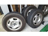 205 70 15 Bridgestone Dueler 4 tyres with Honda crv wheels