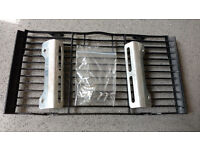 Honda Hornet 98-02 CB600F – Genuine Honda radiatorcover / grill with guards and bolts for sale.