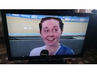 """SAMSUNG 40"""" LCD TV FULL HD 1080P/FREEVIEW/MEDIA PLAYER/PIANO BLACK/24P/ AS NEW NO OFFERS"""