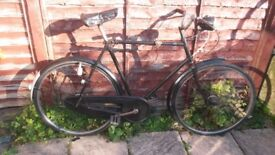 1930's VINTAGE RALEIGH GENTS BIKE. LINCOLN.