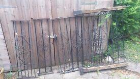 Iron railings / gate