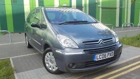 Grey Citroen Picasso 2006