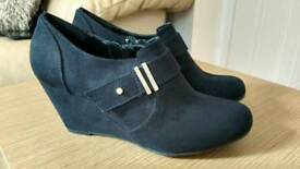 Size 4 New Look Black Suede shoes