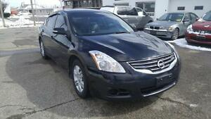 2010 Nissan Altima SL | Leather | Sunroof |Heated Seats